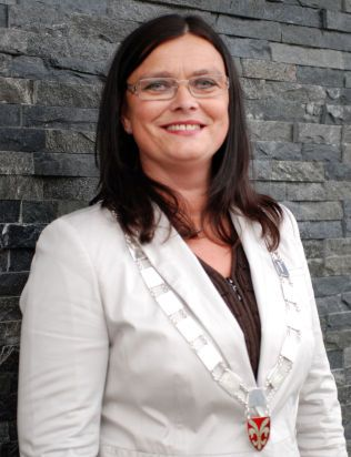 SE, EN KVINNELIG FRP-ORDFØRER 2: Ruth G. Østebøvik Eriksen (51) i Sveio kommune.