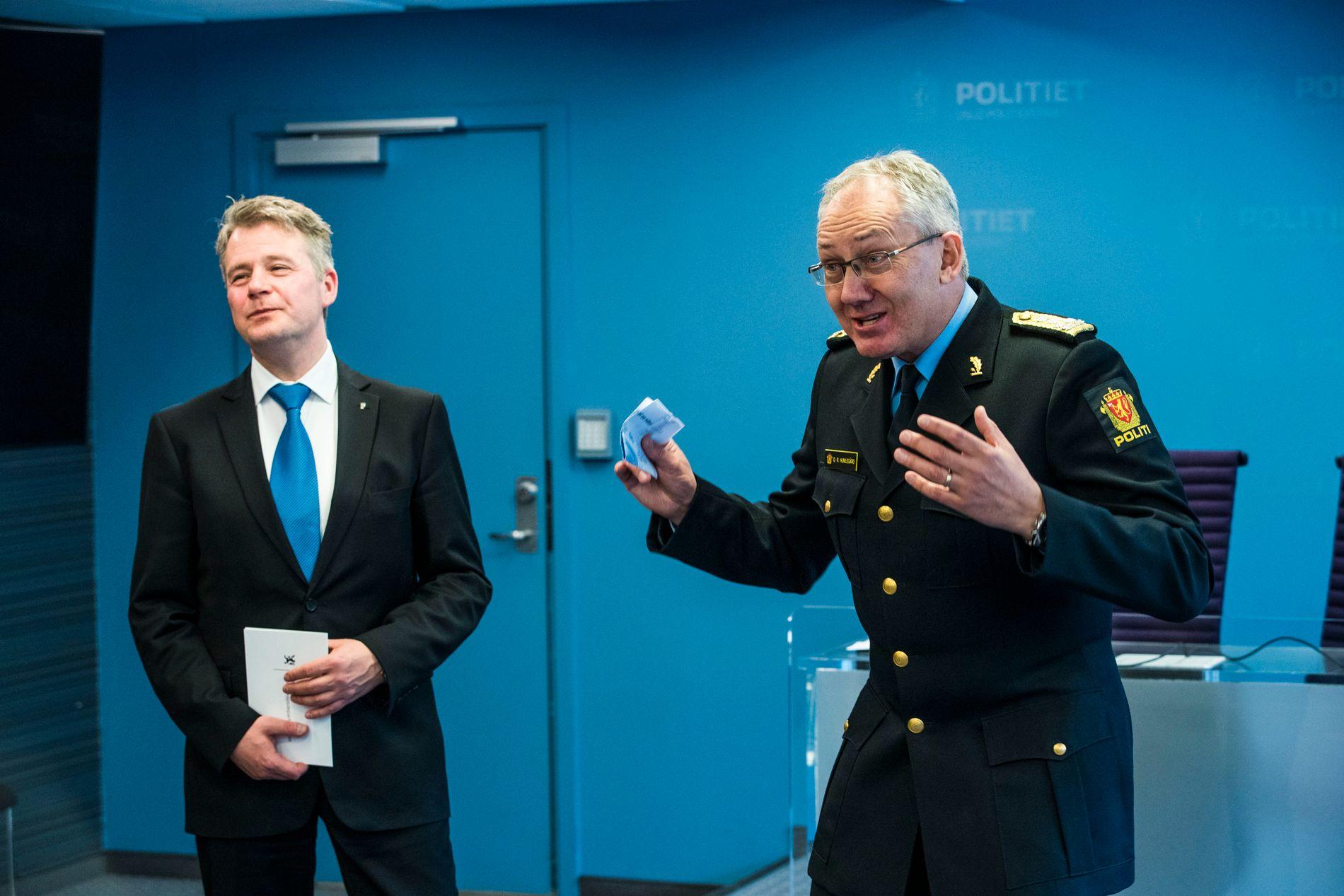 MILLIONER: Politidirektør Odd Reidar Humlegårds direktorat har vokst kraftig under den blåblå regjeringen. Her sammen med justis- og beredskapsminister Per-Willy Amundsen (t.h).