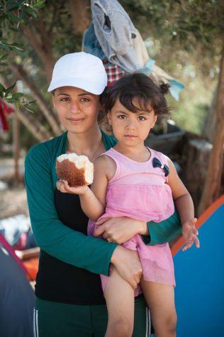 MÅTTE FLYKTE: 28 år gamle Jelian endte opp ved flyktningeleiren på Lesbos i Hellas etter å ha flytet fra hjembyen Aleppo i Syria. Hun beskriver forholdene i leiren som inhumane.