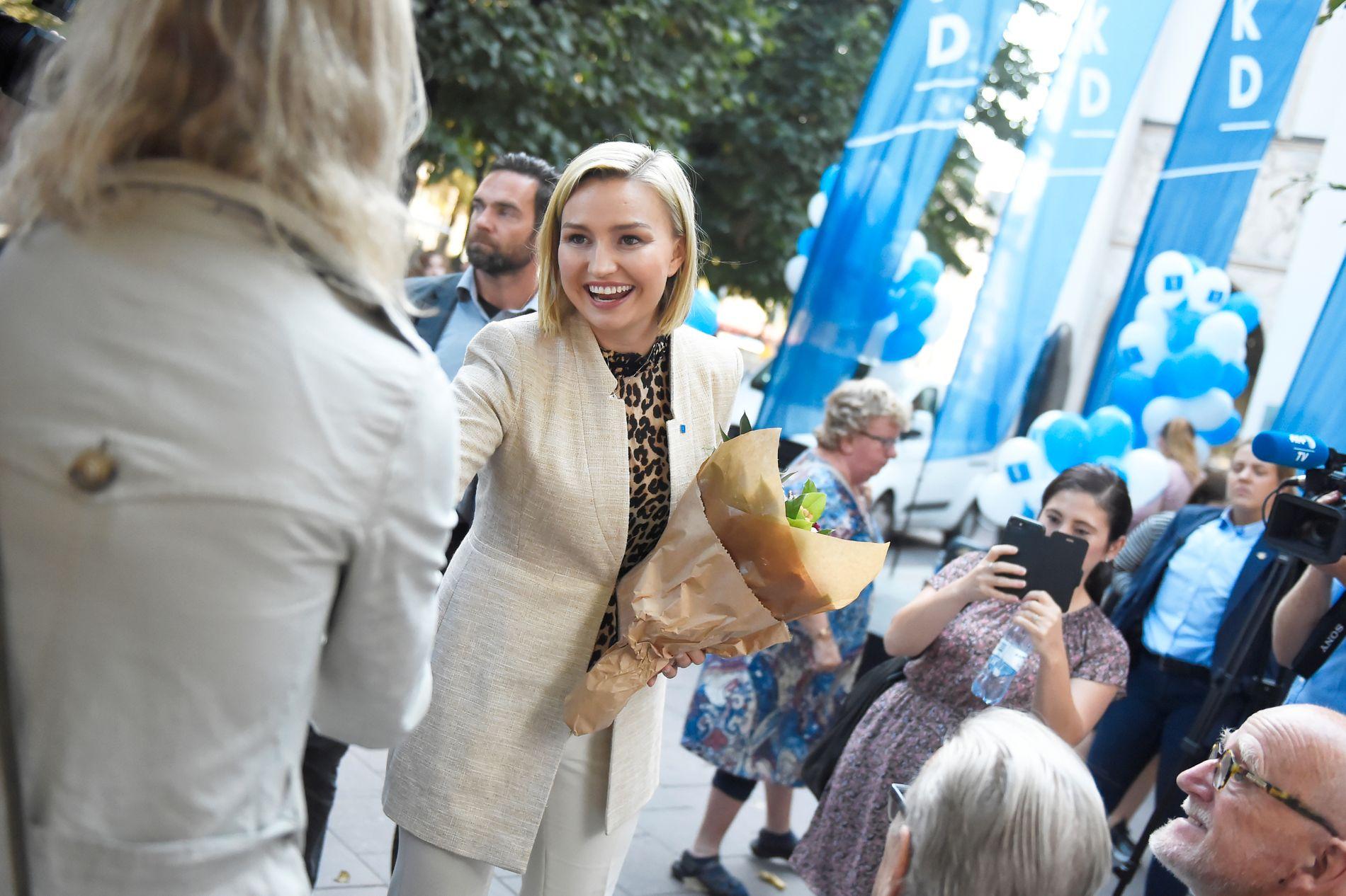 «VINNEREN»: Holder Ebba Busch Thor og Kristdemokraterna helt til mål. I hvert fall har den unge partilederen startet en langspurt som kan gjøre henne til valgets vinner.