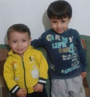 BRØDRE: Alan Kurdi (3) og storebroren Galip Kurdi (5) var på vei sammen med moren og faren sin til Canada.