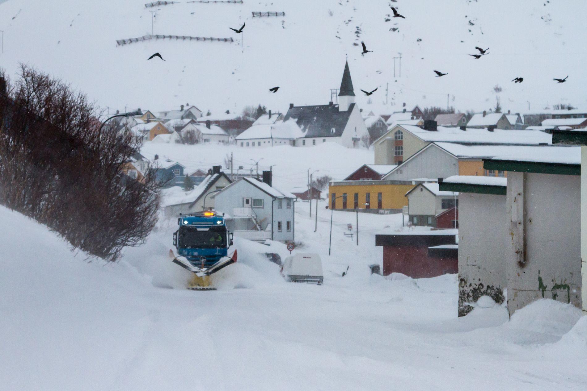 UVÆR: En rekke bygder i Finnmark er rammet av ras- og skredfaren. Her fra Kjøllefjord torsdag.