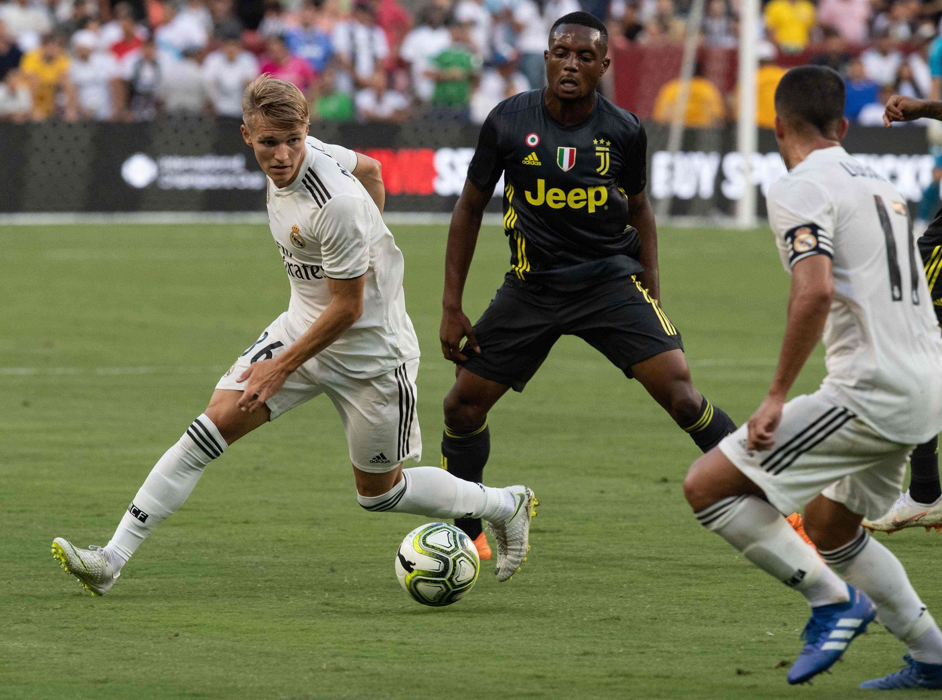 LITE SPILLETID: Martin Ødegaard har kun fått noen korte innhopp for Real Madrid i sesongoppkjøringen, som her mot Juventus.
