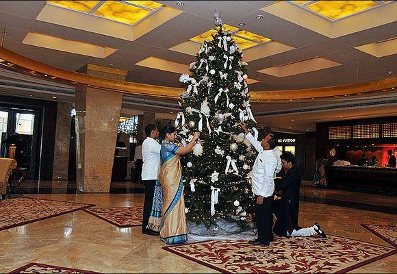 Luksushoteller gjenåpnes etter Mumbai-terroren