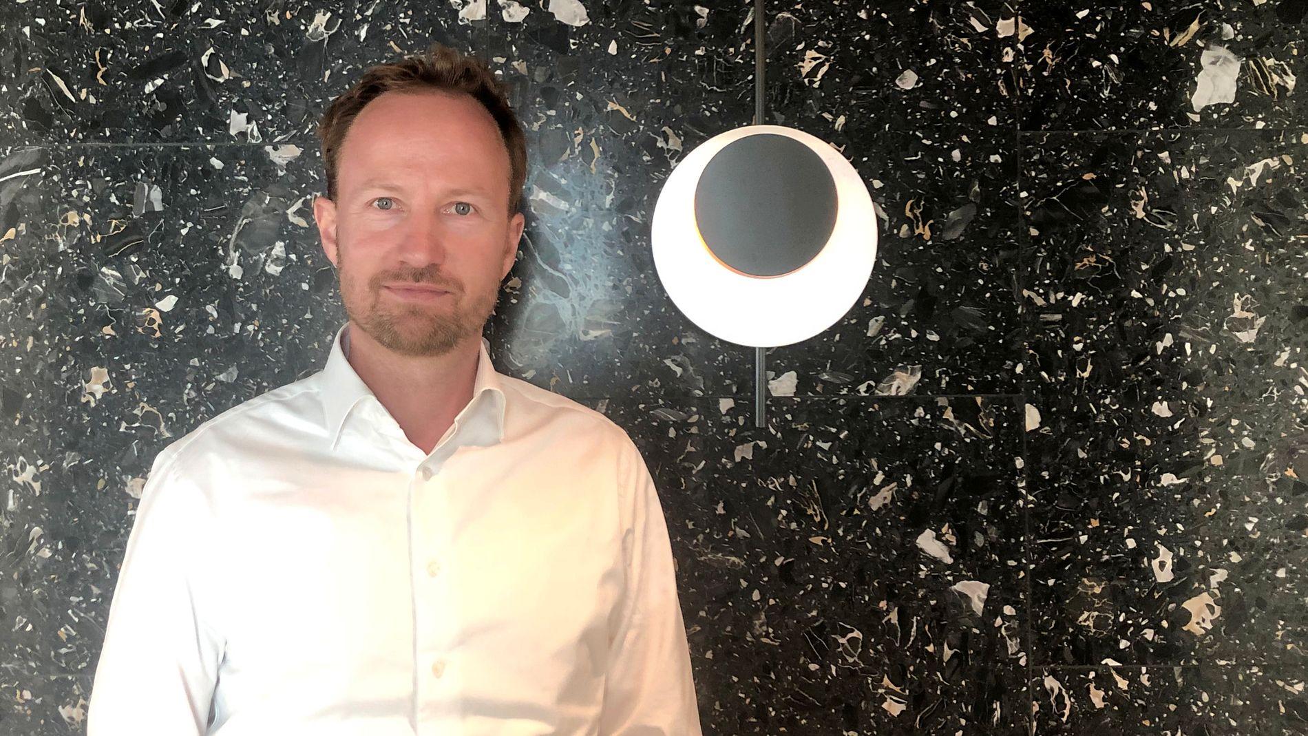 EQT-sjef Christian Otto Sinding poserer her for et bilde i EQTs hovedkvarter i Stockholm.