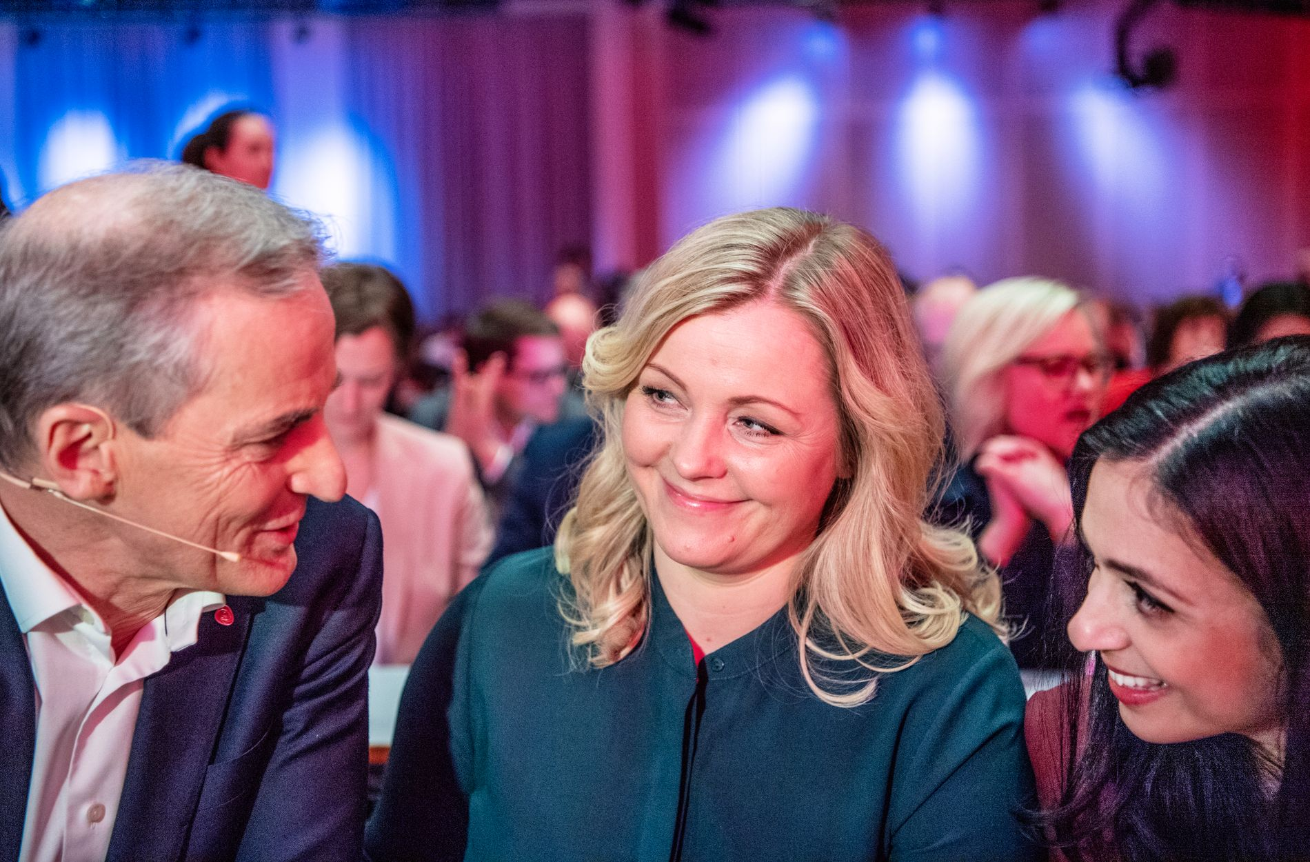 PARTISEKRETÆR: Partisekretær Kjersti Stenseng i Arbeiderpartiet (midten), her sammen med leder Jonas Gahr Støre og Hadia Tajik.