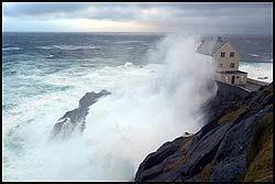 VÅTT: Stormen raste som verst på Kråkenes ved Stad i Sogn og Fjordane i desember i fjor. Foto: SCANPIX