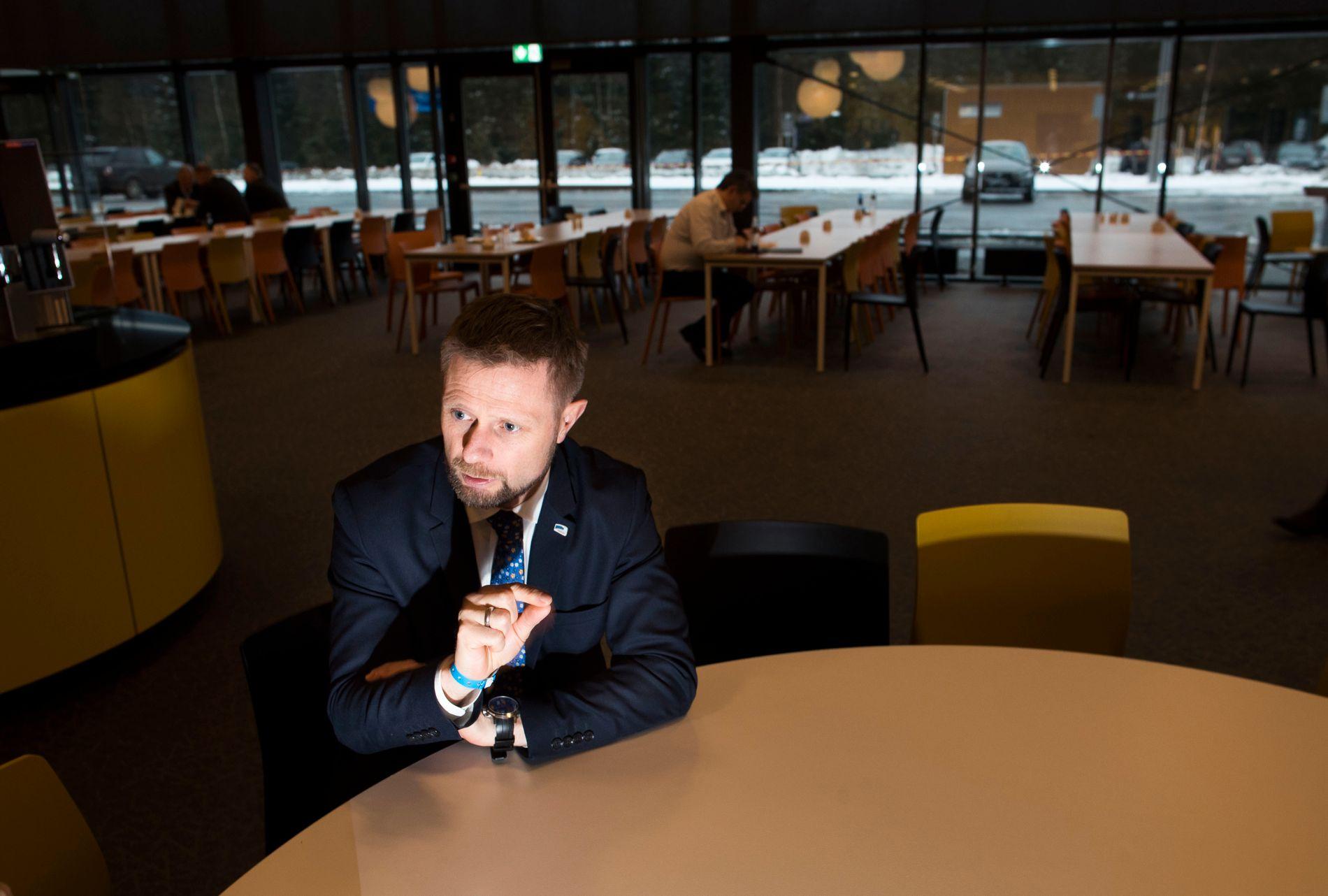 ENDRET MENING: Før mente helseminister Bent Høie (H) at de som ble tatt for bruk og besittelse av narkotika måtte straffes. Nå vil han heller tilby dem hjelp.