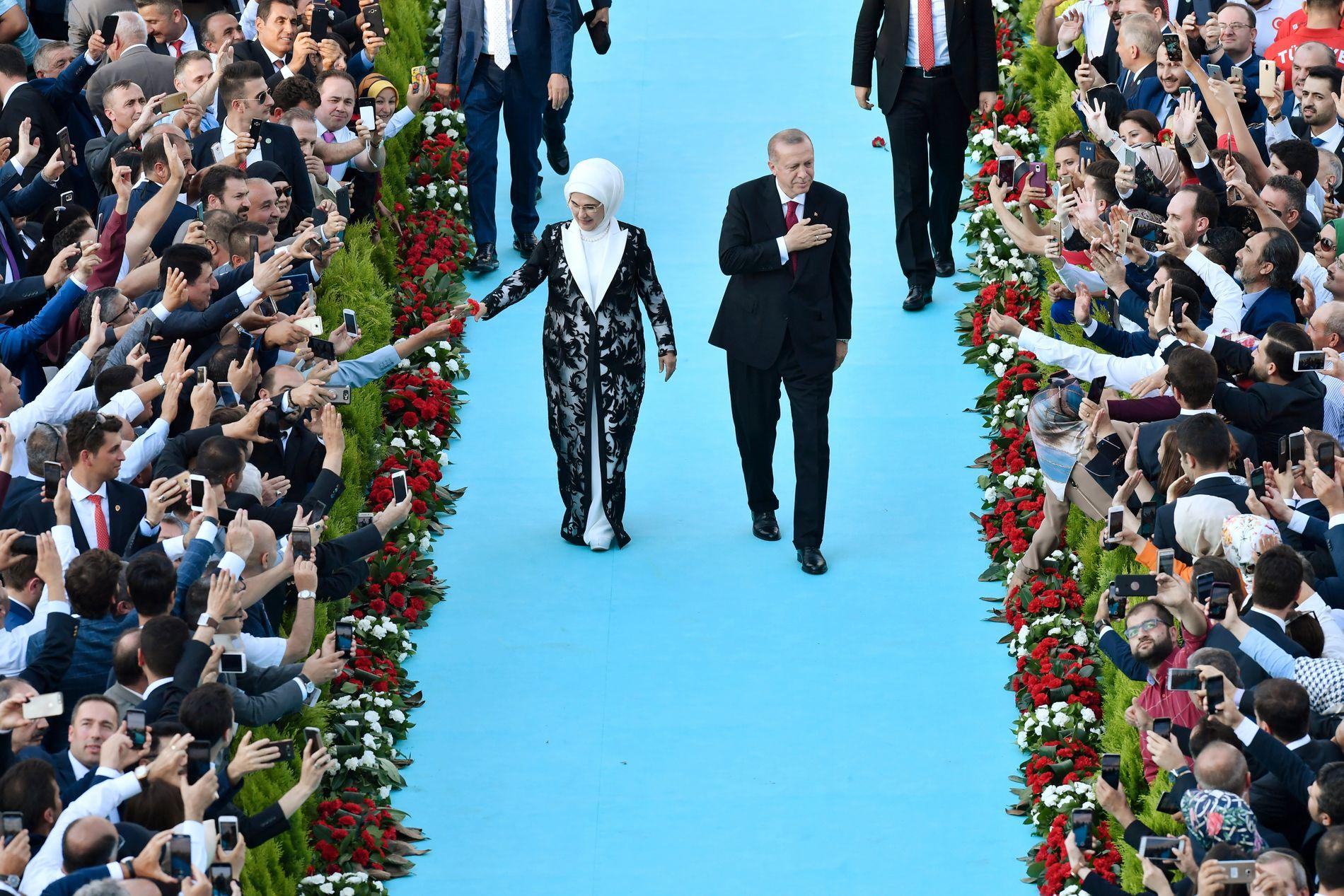 SEREMONI: Tyrkias president Recep Tayyip Erdogan inviterte mandag til seremoni for å markere hans egen president-innsettelse.