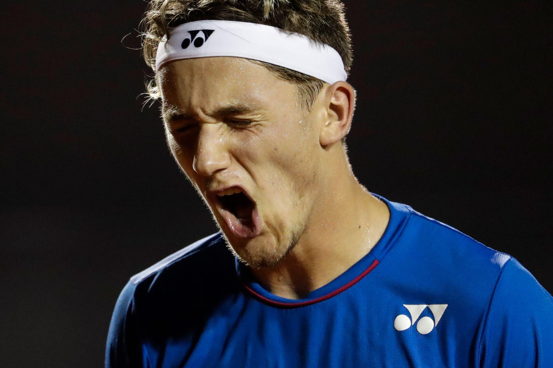 KJEMPER FOR NY TRIUMF: Casper Ruud kom til semifinalen i brasilianske Rio Open (bildet) sist måned. Nå er 18-åringen på plass i USA for å spille Miami Open.