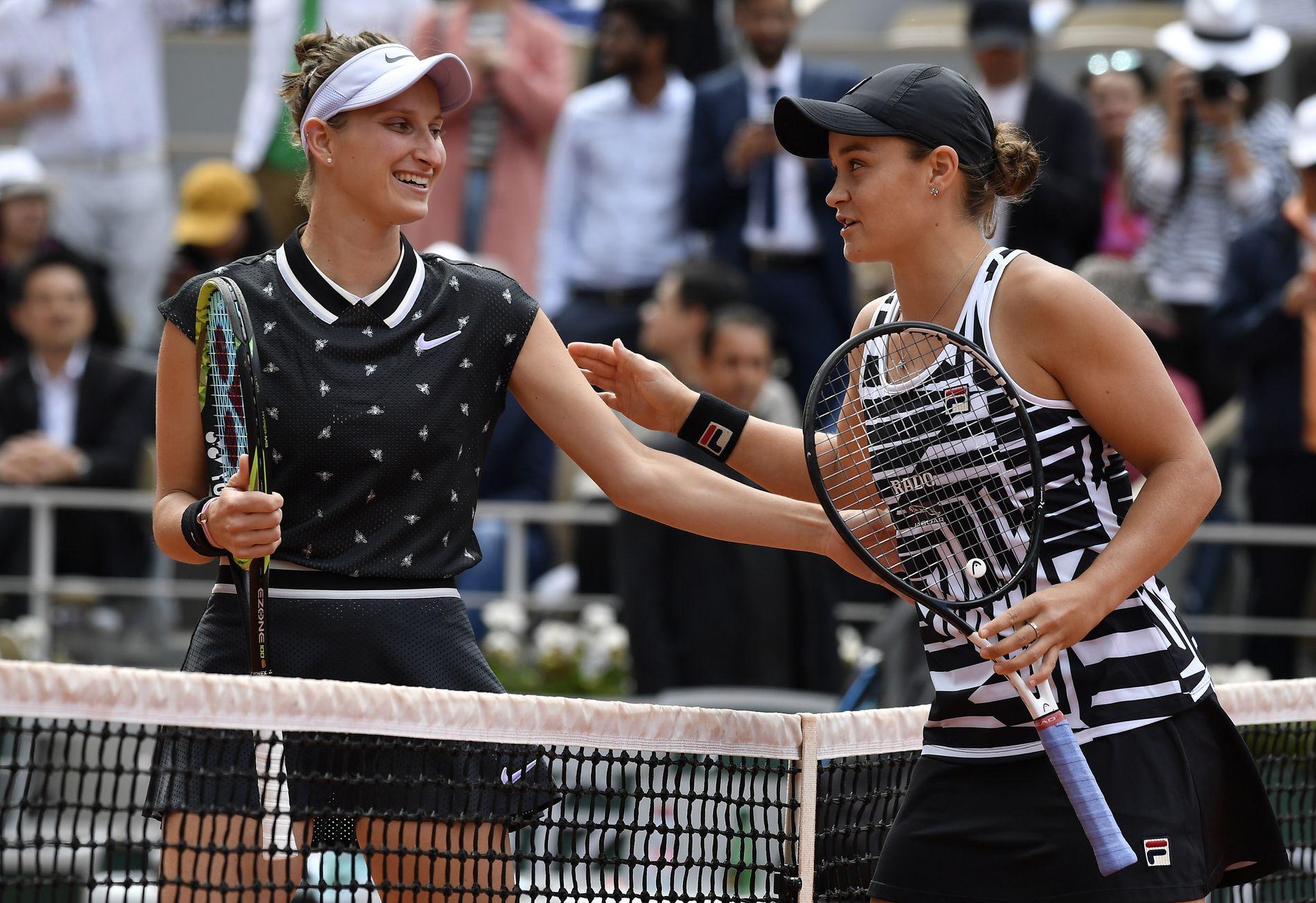 INGEN FAVORITTFINALE: Ashleigh Barty (t.h.)  Marketa Vondrousova spilte finale i Paris, Barty vant enkelt.