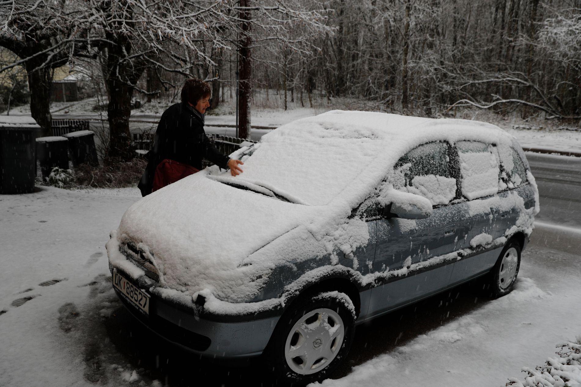 SNØFALL: Snøen har lavet ned flere steder i landet på morgenkvisten. Her fra Godlia i Oslo.