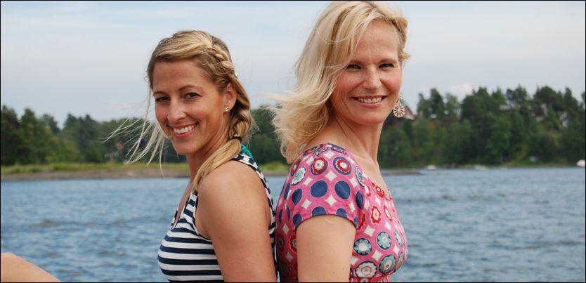 LOTTO-JENTER: Jannecke (t.v) og Ingeborg skal presentere vinnertallene, og får Lotto-tilnavnet på kjøpet. Foto: Martin Barth Bergholtz