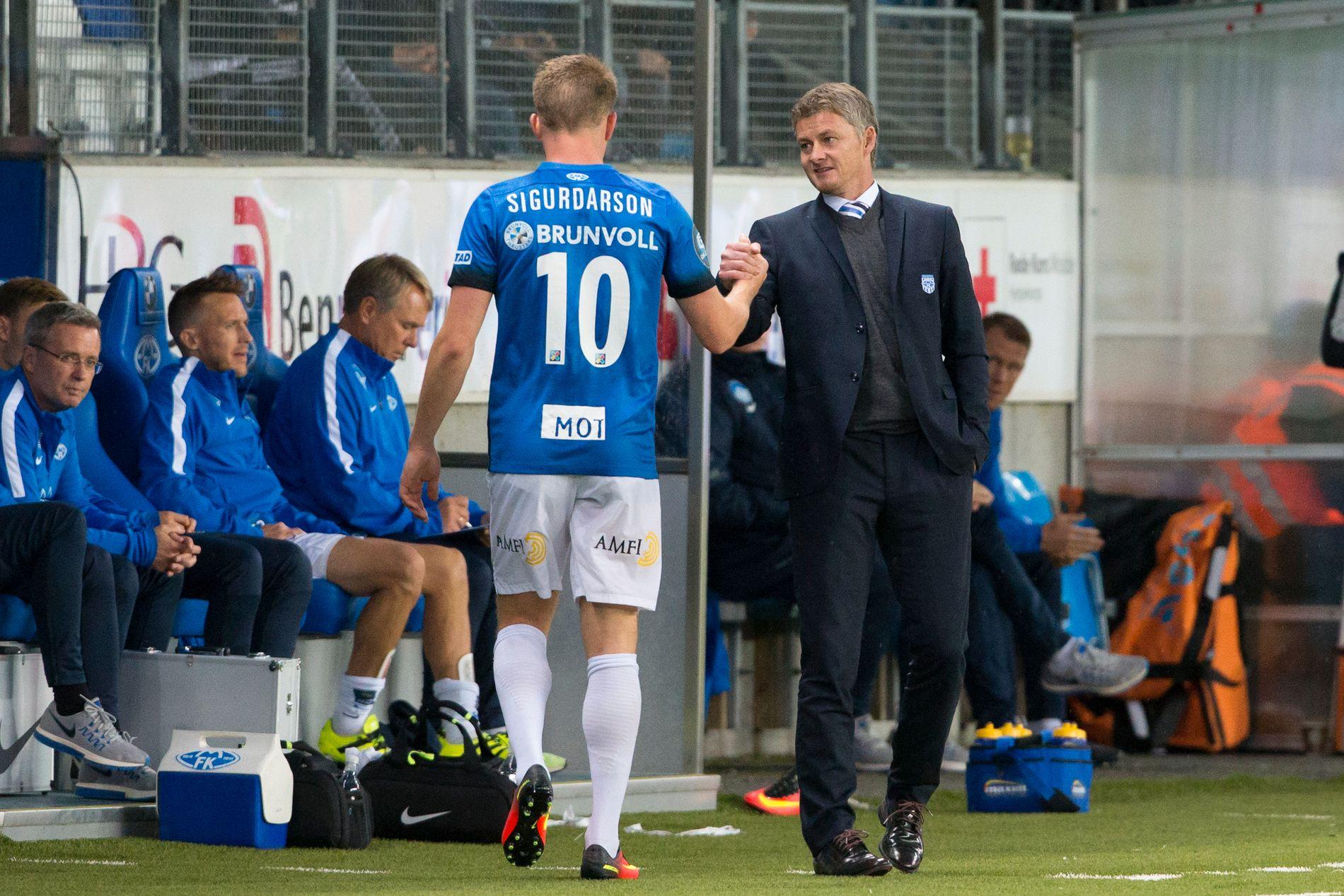 FERDIG: Molde-sjef Ole Gunnar Solskjær (t.h.) må klare seg uten sin toppscorer Björn Bergmann Sigurdarson.