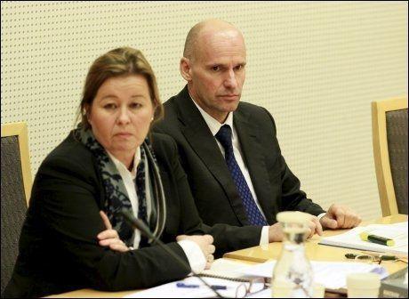 FORSVARET: Forsvarer Geir Lippestad og Vibeke Hein i Oslo tingrett før retten ble satt. Foto: Scanpix