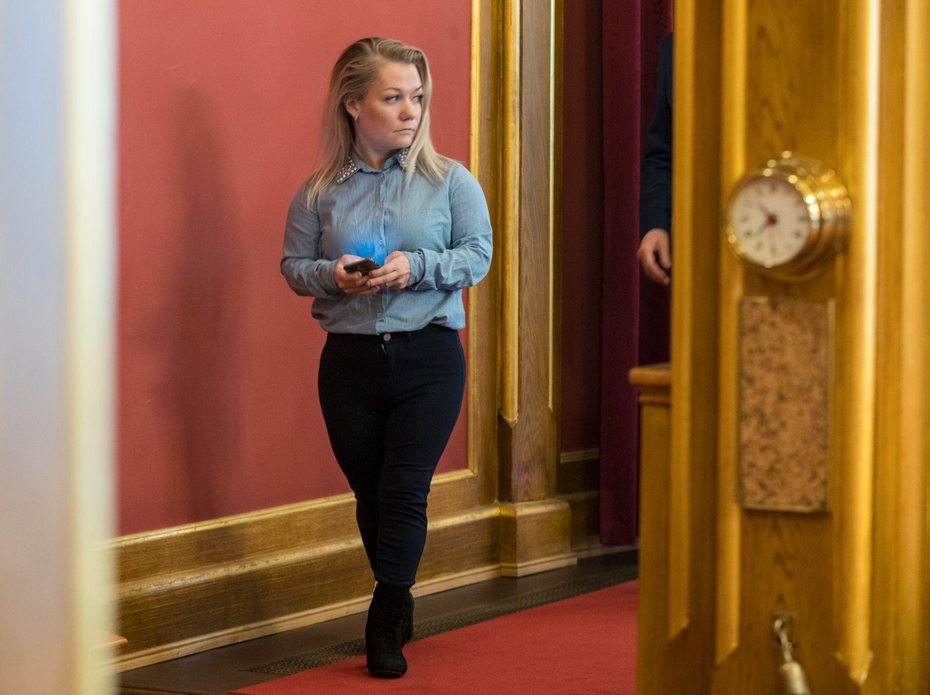 SNU: Sandra Borch (Sp) har stilt brev til Monica Mæland (H), som er kommunal- og moderniseringsminister, der hun har spurt om lovligheten til sammenslåingsvedtaket mellom Troms og Finnmark. – Jeg sendte brevet 25. juli, men jeg venter fremdeles på svar.