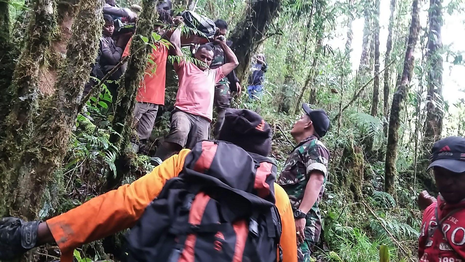 HANDOUT / Papua's Cendrawasih Military Com