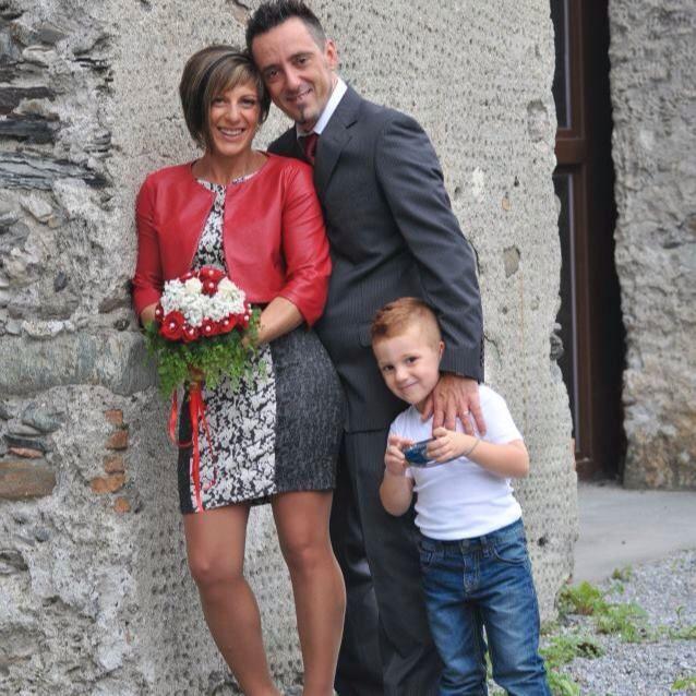 SKULLE PÅ FERIE: Roberto Robbiano, kona Ersilia Piccinino og sønnen Samuele omkom etter brokollapsen i Genova tirsdag.