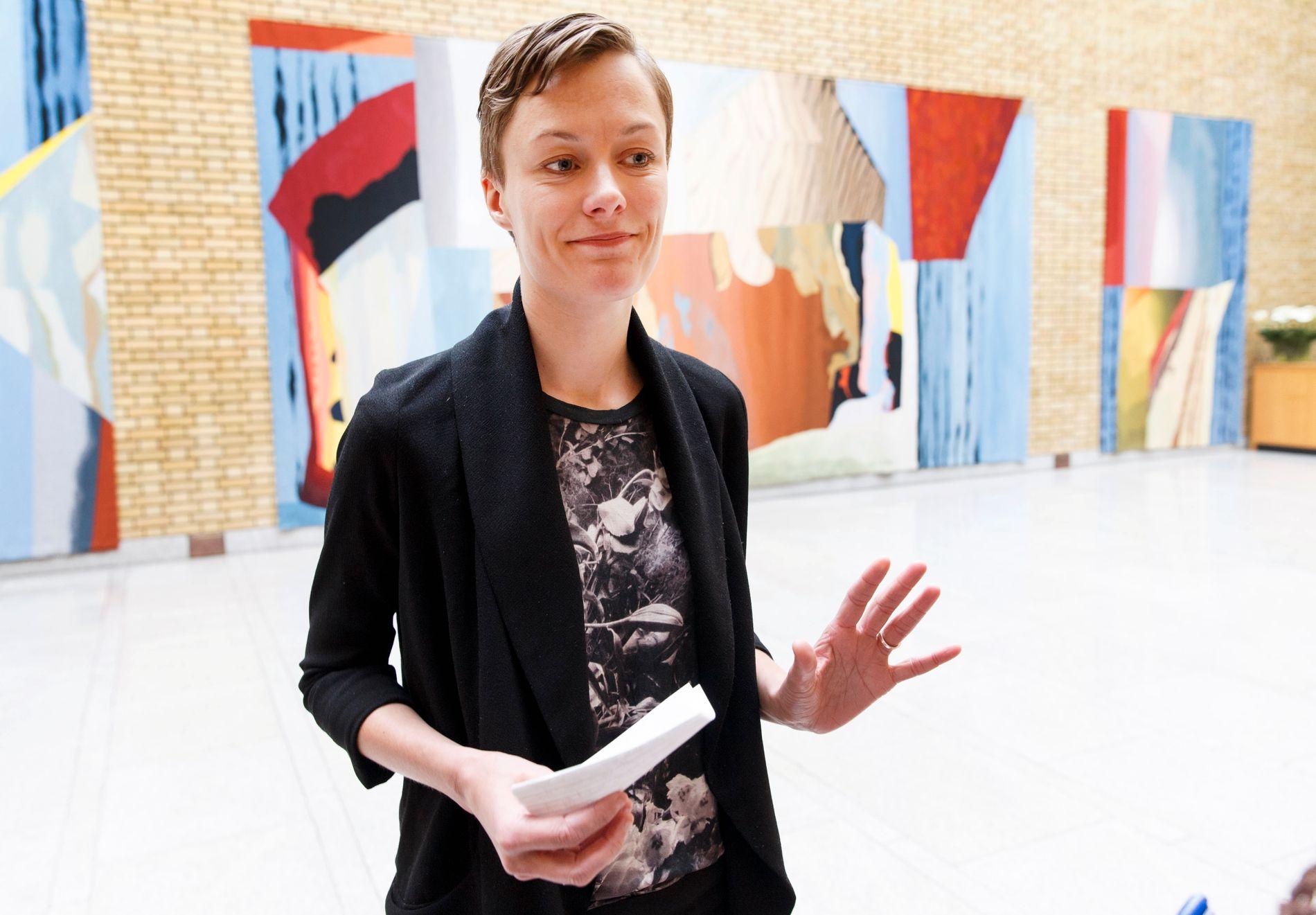 – HAR IKKE PEILING: Arbeiderpartiets familiepolitiske talsperson, Anette Trettebergstuen mener helseminister Bent Høie ikke har peiling når han sammenligner sin egen legning med diskriminering mot personer med downs syndrom i abortdebatten.