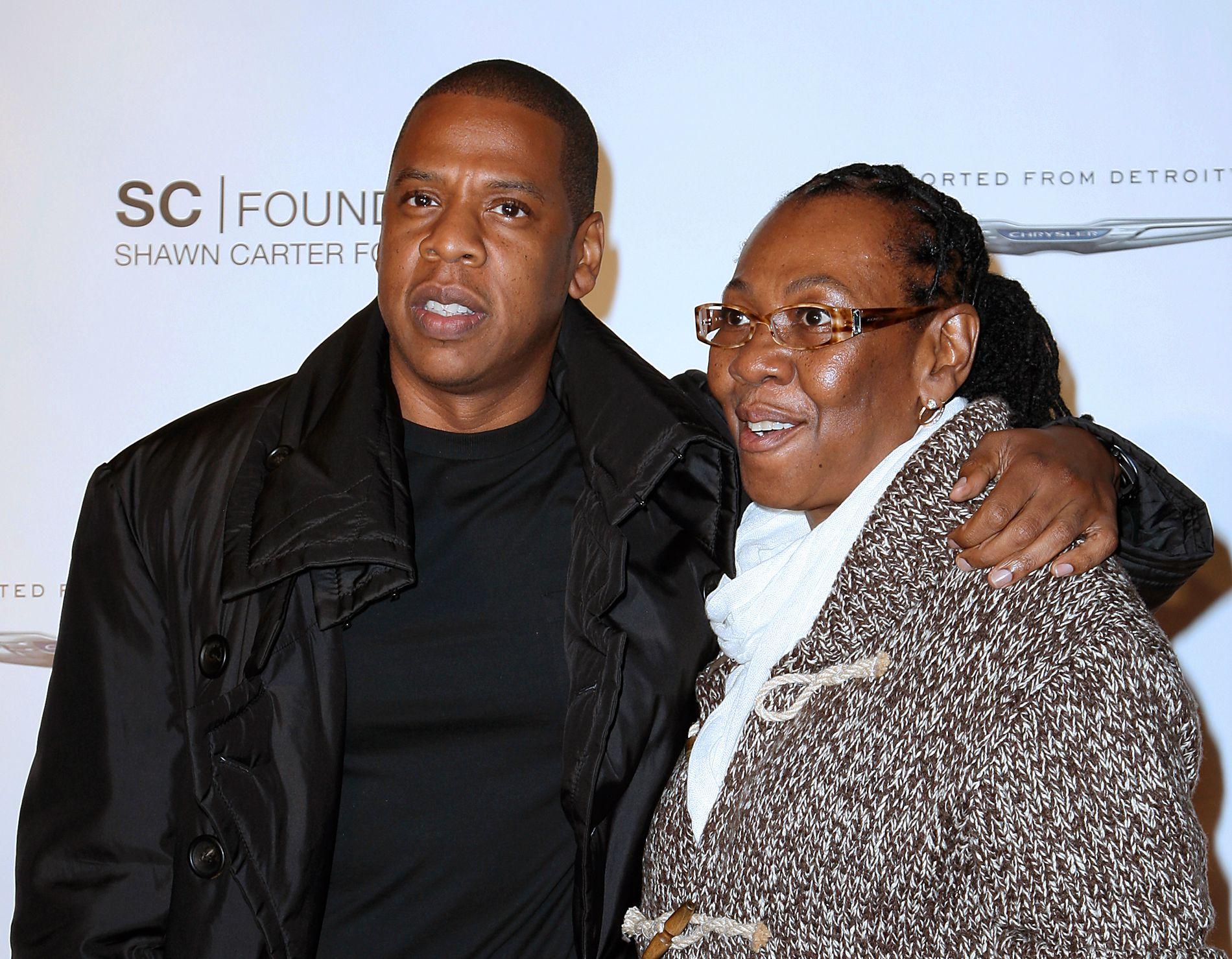 SNAKKET UT: Det ble en følelsesladdet affære da Jay Z for første gang pratet med moren Gloria Carter om hennes legning.