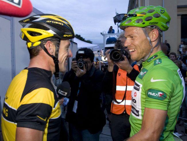 Thor Hushovd (til høyre) og Lance Armstrong etter Hushovds suverene seier i Oslo Grand Prix på sykkel i Oslo sentrum i 2009.