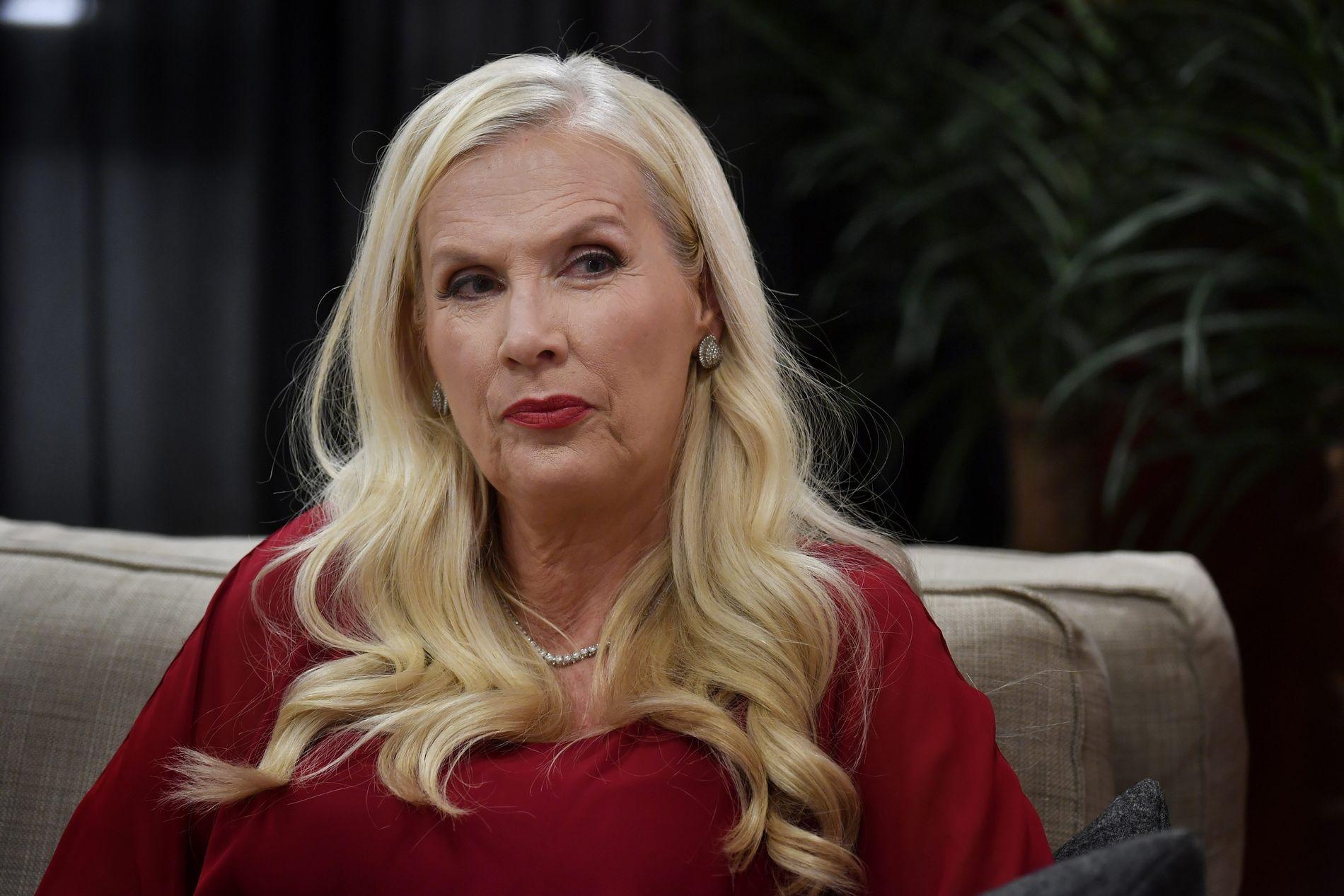 PROVOSERT: Gunilla Persson føler seg jaget av svensk presse. Her under et TV-intervju nylig.