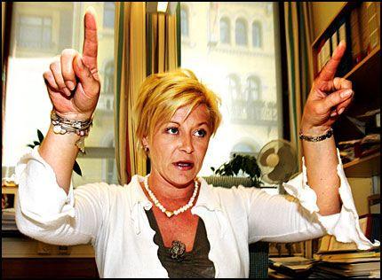 MISTER BIL: Frp-formann Siv Jensen får fra 2007 trolig ikke kjøpe bil på stortingsgruppens regning. Foto: FRODE HANSEN Foto: Frode Hansen