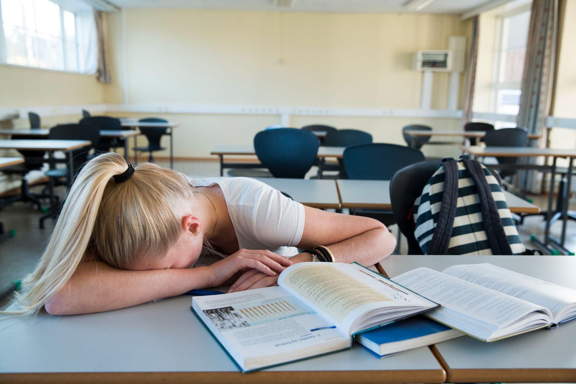 LEKSE-NEI: – Jeg tror ikke at lekser som gjøres i sinne og frustrasjon skaper skolevinnere og topp plassering på Pisa-tester, skriver kronikkforfatteren.