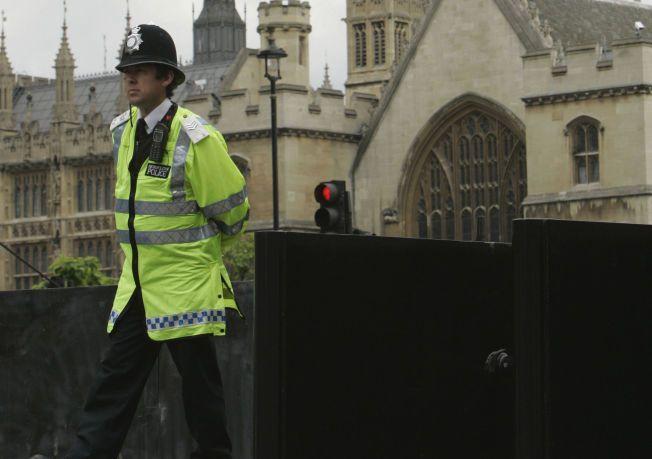 STOR SAK: Britisk politi etterforsker en omfattende barneovergrepssak.