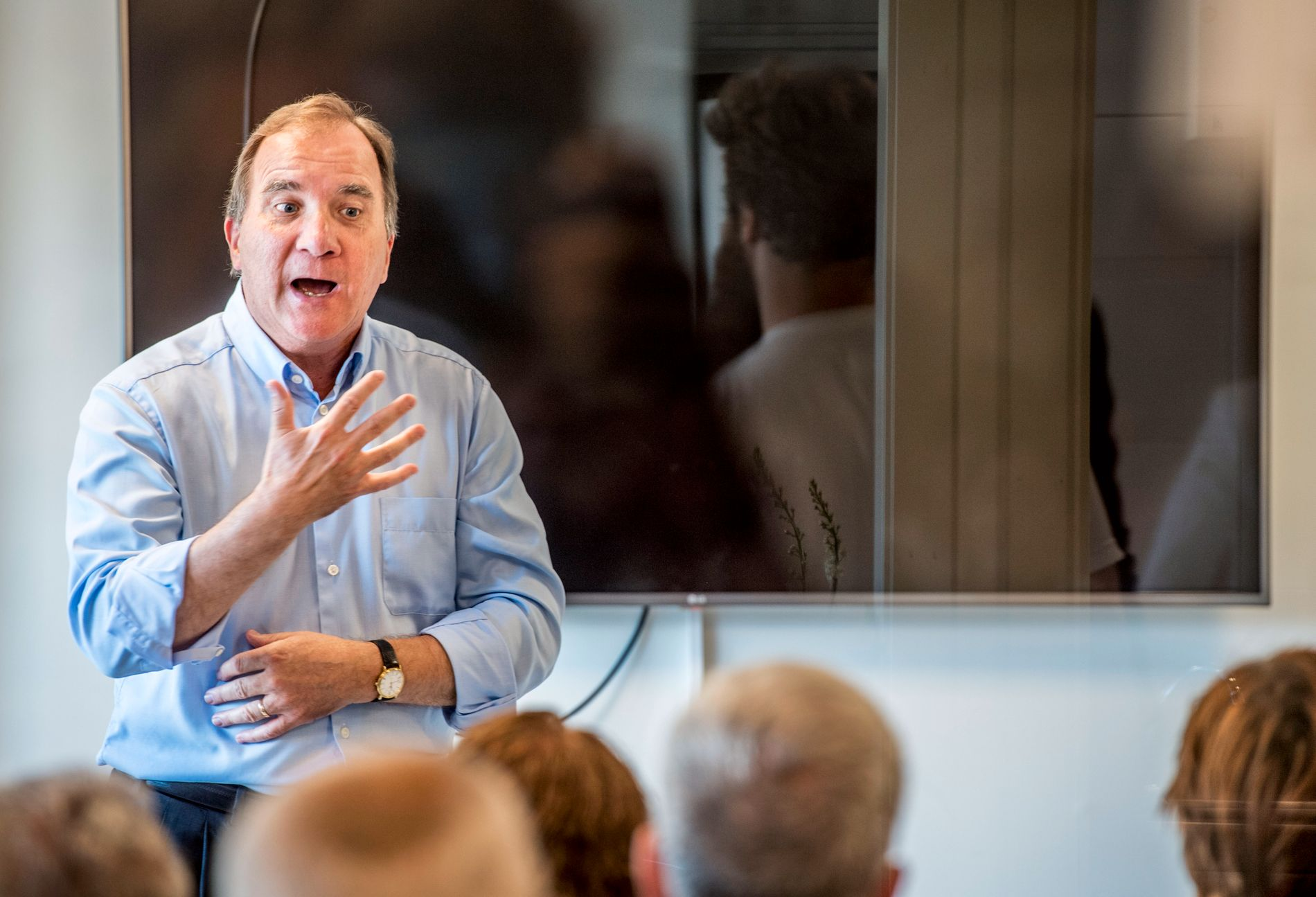 STATSMINISTER: Dagens statsminister, Socialdemokraternas leder Stefan Löfven, kan bli sittende i et forretningsministerium etter valget.
