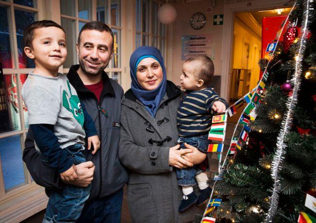 IKKE BEKYMRET: Familien (f.v.) Hassan al Hassen (4), Kaddour al Hassan, Nermeen al Abdallaa og Diana (1) frykter ikke innstrammingstiltakene i asylpolitikken.
