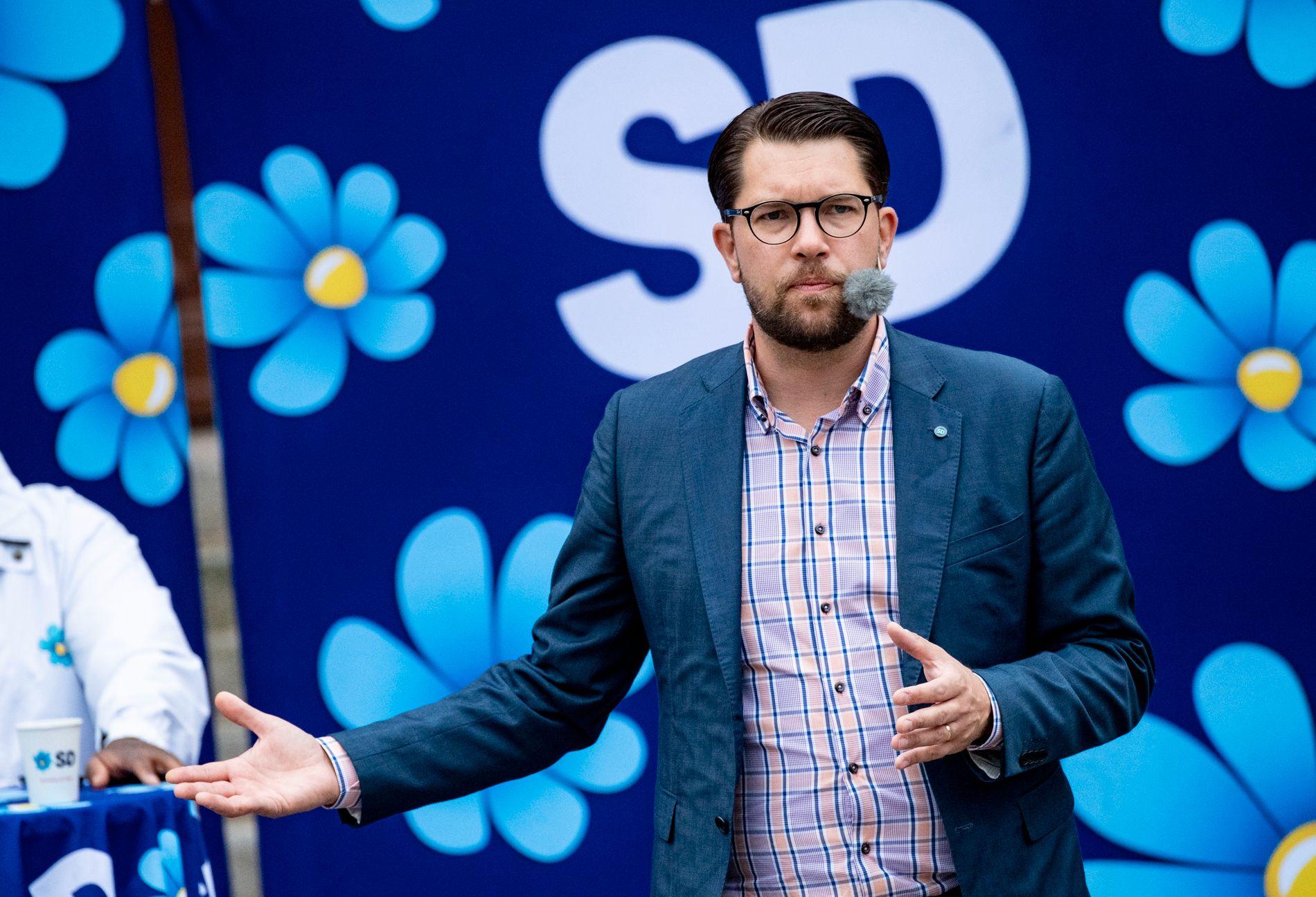 MER POPULÆR I FRP: Sverigedemokraternas partileder Jimmie Åkesson, her under en valgtale på  Rådmanstorget i Landskrona fredag.