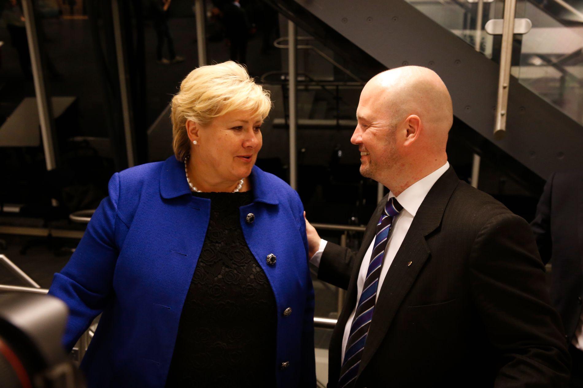 FEIL TIL STORTINGET: Statsminister Erna Solberg (H) har erkjent at hennes tidligere justisminister Andersen Anundsen (Frp) ga feil informasjon til Stortinget om terrorsikring. Nå viser det seg at feilen ble gjentatt.
