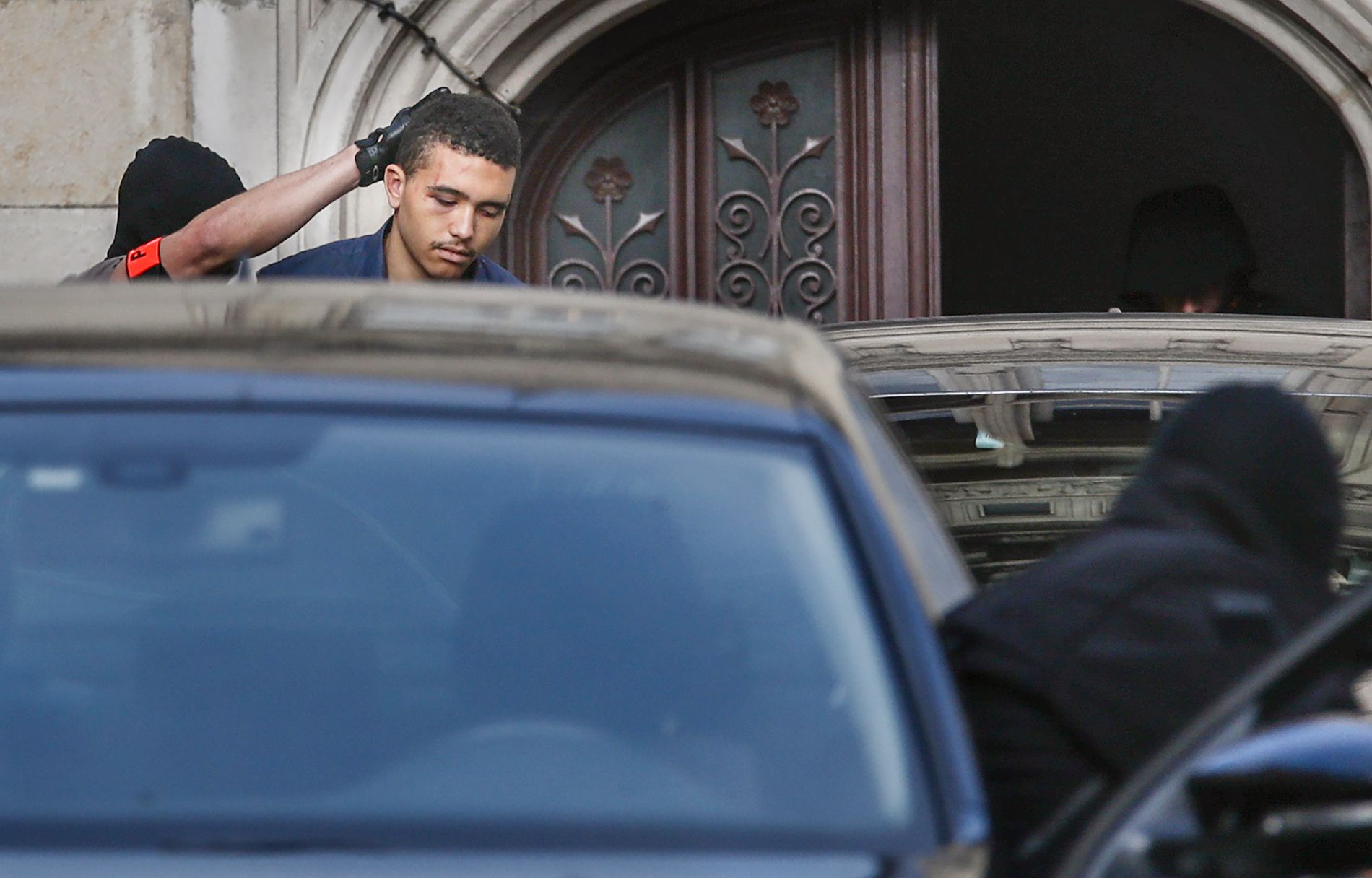 FERDIG: Makaveli Lindén på vei ut fra retten i Dijon.