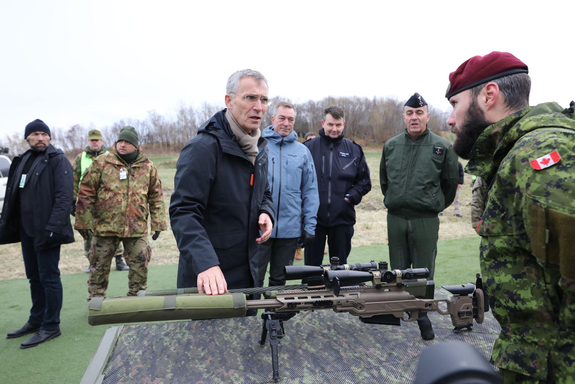 STILLER KRAV: NATO-sjef Jens Stoltenberg, her under storøvelsen Trident Juncture i fjor høst.