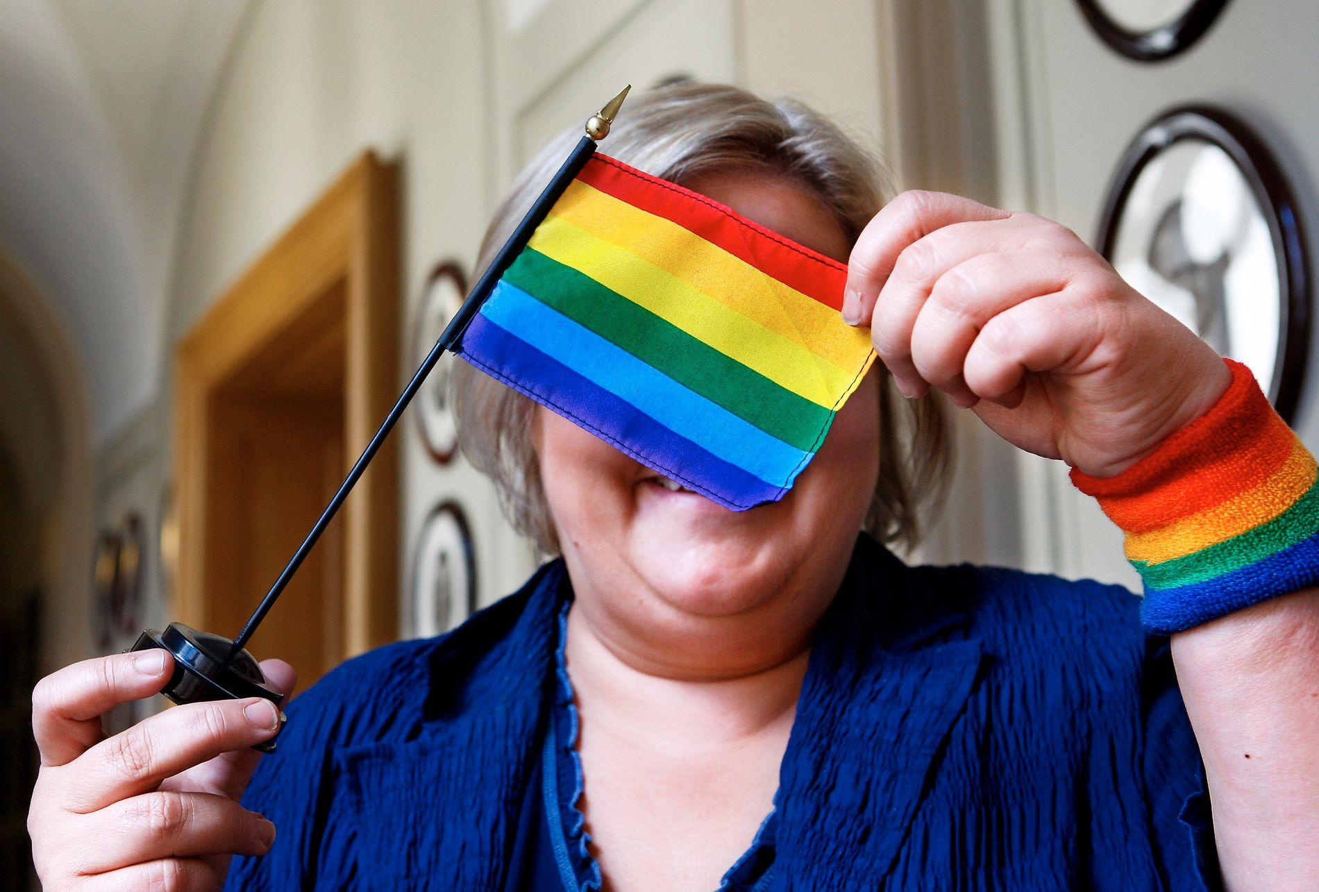 HOMO-ERNA: – Norges regjering, og Erna, har ambisiøse mål og konkrete resultater å vise til gjennom fire år for å bedre forholdene både for vår nære regnbuefamilie her i landet, skriver kronikkforfatterne.