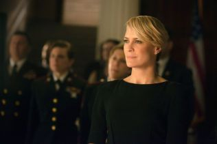 KALD FISK: Franks kone Claire (Robin Wright) er nesten like manipulerende og kynisk som sin mann.
