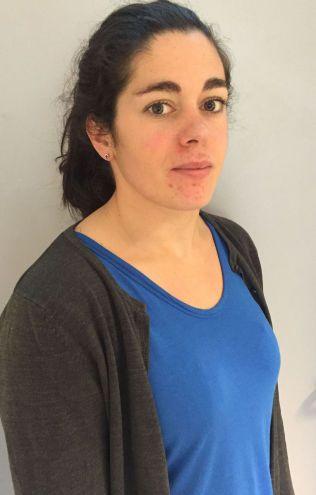 STO FREM: Rebecca Tiffin, tidligere Oslo-lærer, etterlyser større tillit til at lærerne kan kartlegge og følge opp elevene som trenger det.