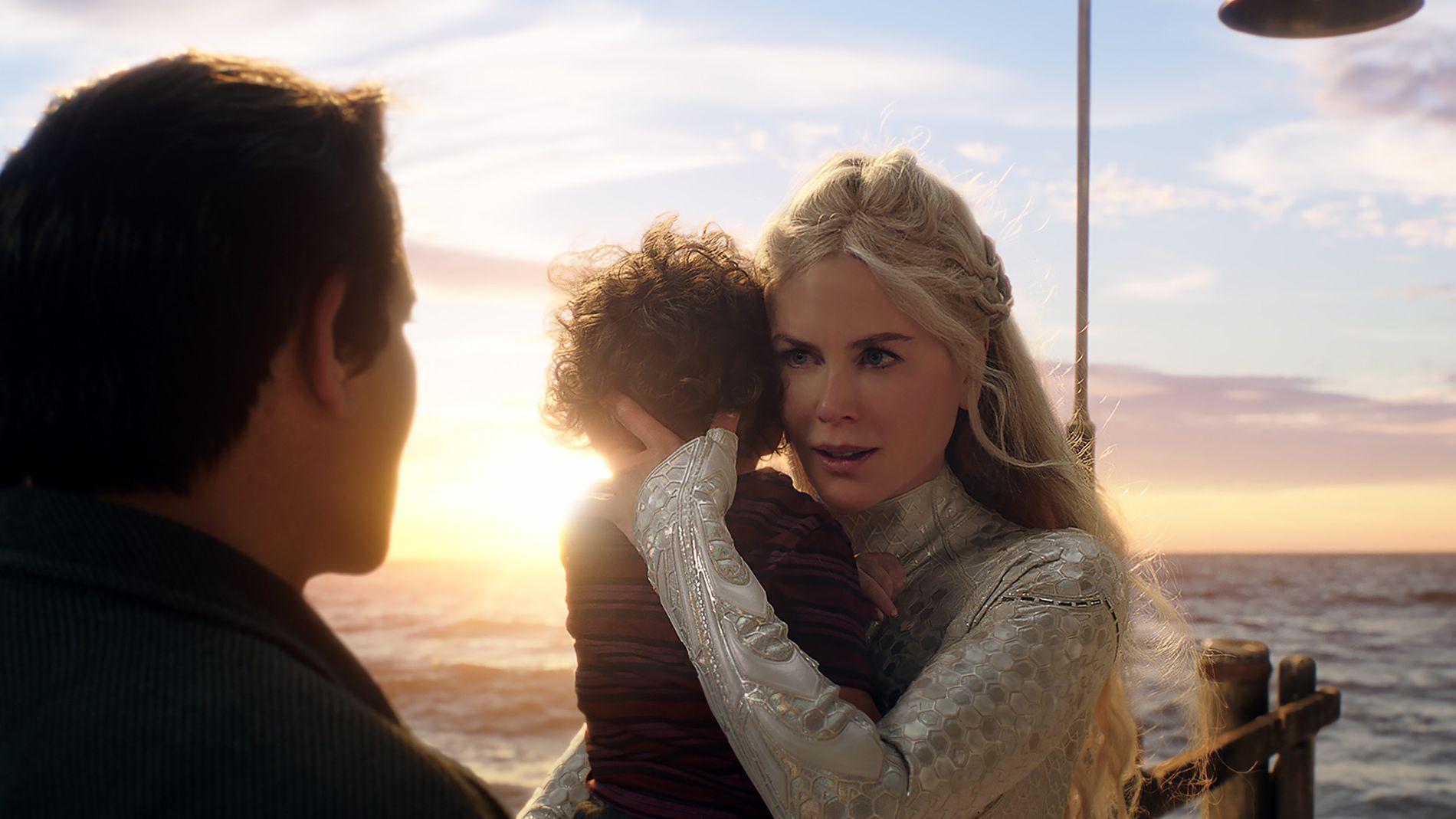 FORBUDT KJÆRLIGHET: Dronning Atlanna av Atlantis, spilt av Nicole Kidman, må forlate sin førstefødte sønn og kjæresten Tom på land, for å sikre at hennes egentlige forlovede i havet ikke kommer etter dem.