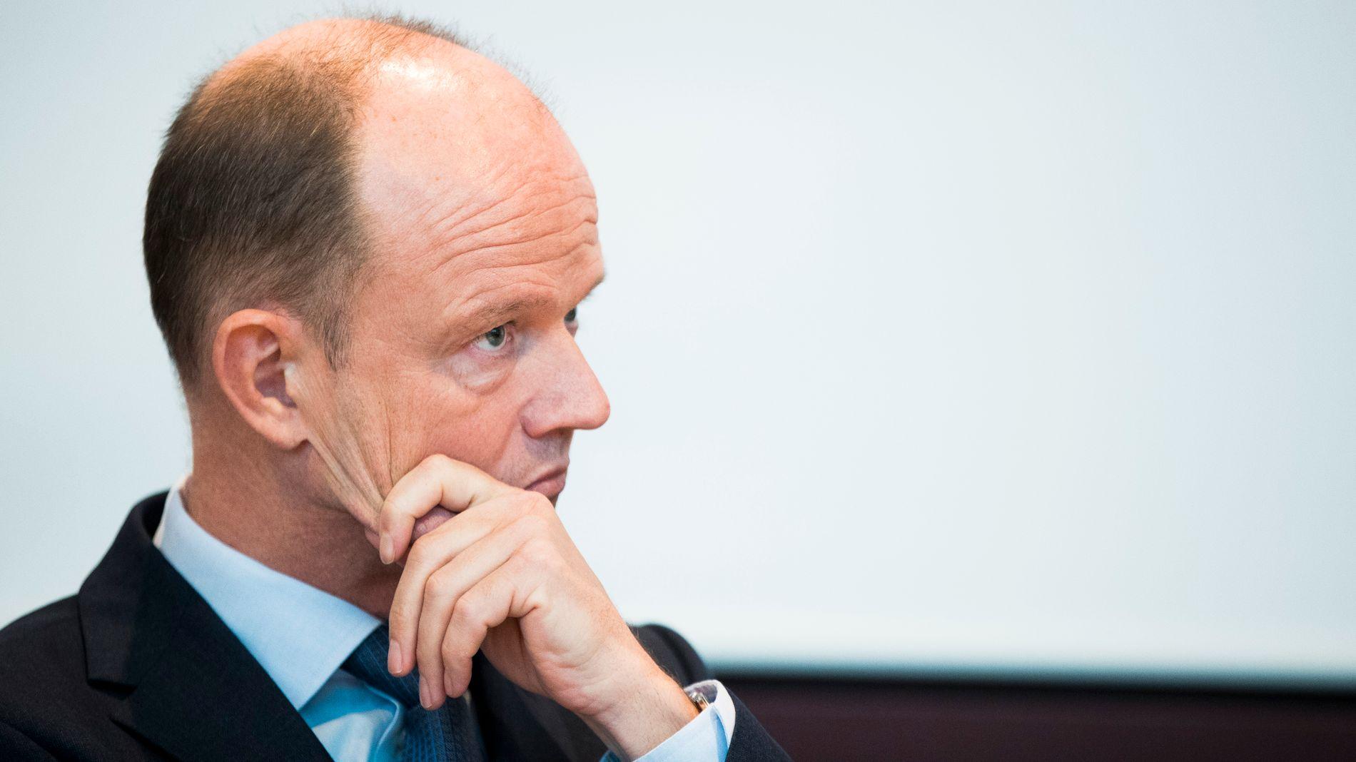 ETTERLYSER AVTALE: NHO-sjef Ole Erik Almlid mener det haster å få på plass en avtale om tjenester mellom Norge og Storbritannia.