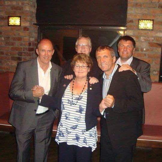 George Sephton, med Phil Neal (fra venstre), Jan Mølby og Alan Kennedy.