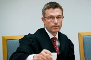 BISTÅR: Advokat Morten Engesbak bistår den norske barnefaren for å få tilbakelevert datteren til Norge.