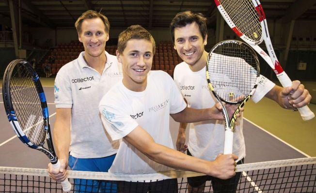 TEAM CASPER: Casper Ruud har vunnet tre internasjonale juniorturneringer på rad og har fått en knallstart på det nye samarbeidet med Pedro Rico (til høyre), som nå trener tennistalentet sammen med far Christian Ruud (til venstre)