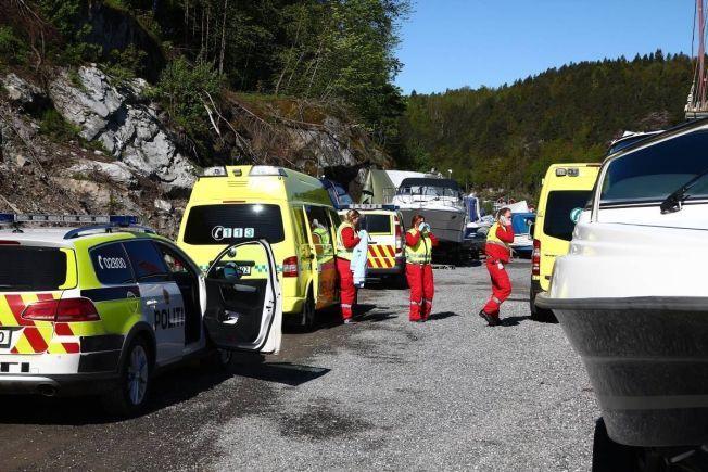 ULYKKESSTEDET: Redningspersonell på stedet der Wedvik falt i vannet og druknet lørdag.