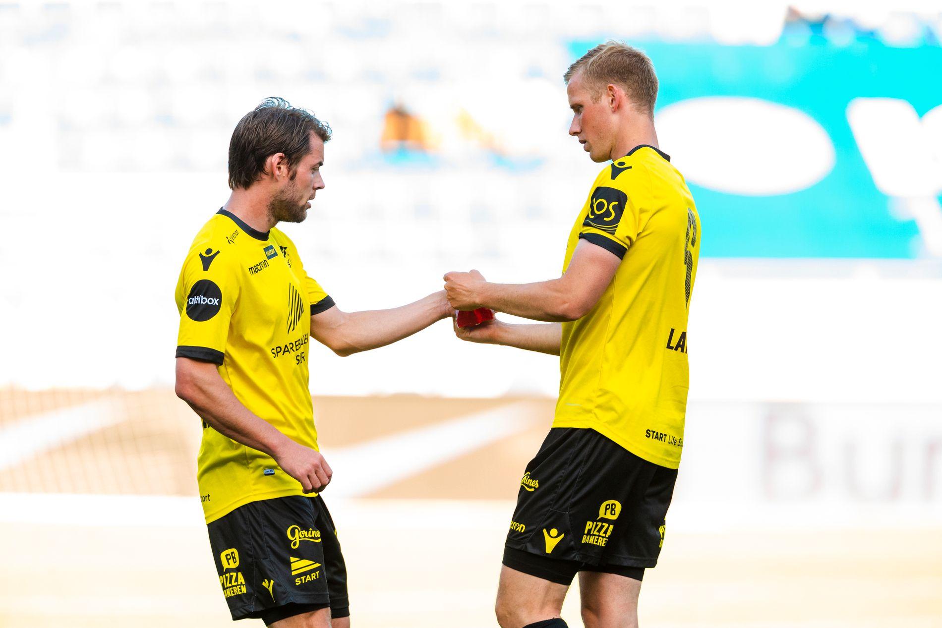 Simon Larsen må gi kapteinsbindet videre til Espen Børufsen.