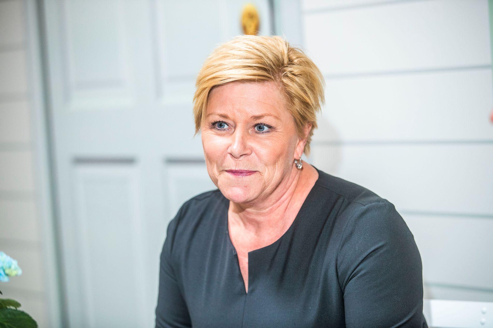 BOMHÅP: Frp-leder Siv Jensen har tro på å finne løsninger som gjør at de kommer ut av bomfloken.