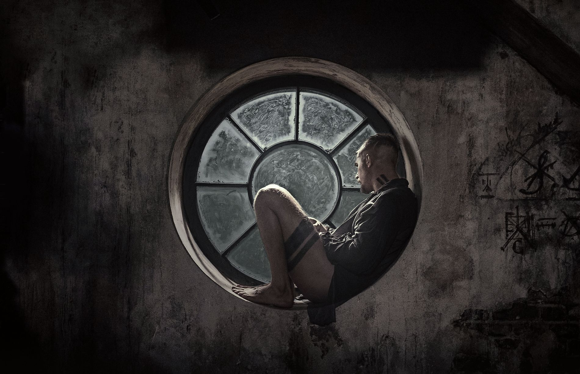 MYSTISK FYR: Tom Hardy i «Taboo».
