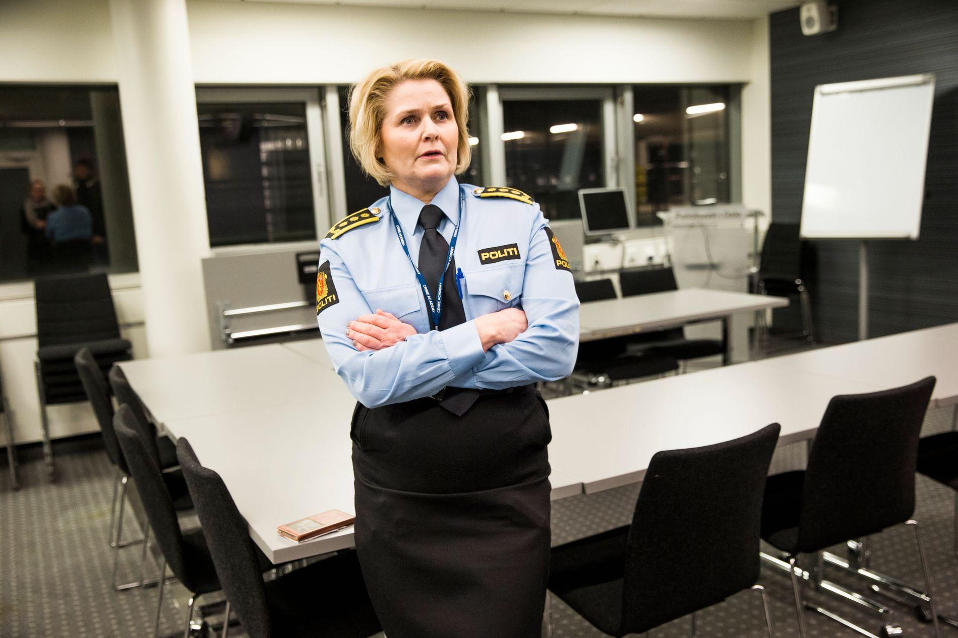 ETTERFORSKER: Politiinspektør Grete Lien Metlid bekrefter at vil etterforske det som kommer frem i VGs avsløring.