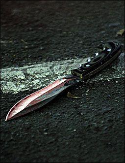 KNIVDESPERADO: Denne kraftige kniven brukte somalieren da han angrep flere personer i Brugata. Foto: Helge Mikalsen