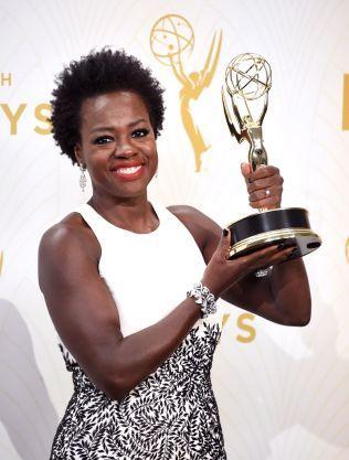 STOLT PRISVINNER: Viola Davis fra «How To Get Away With Murder» hanket inn prisen for beste kvinnelige hovedrolle i en dramaserie.